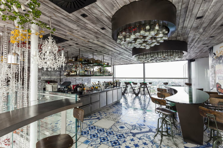 Duck and Waffle restaurant
