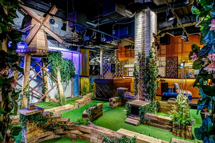 Swingers The City Crazy Golf in London