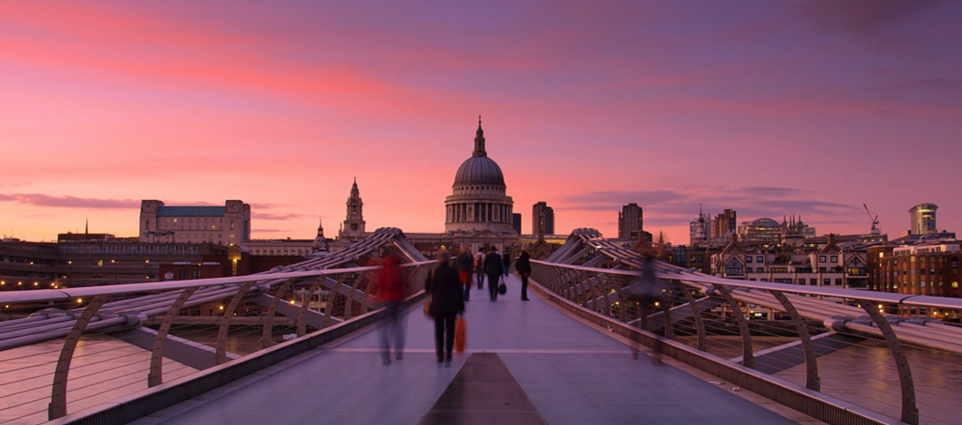 dating in the city of london W hether you're hopelessly amorous or only reluctantly romantic, london simmers with all manner of dating opportunities here telegraph staff provide their recommendations for the london.