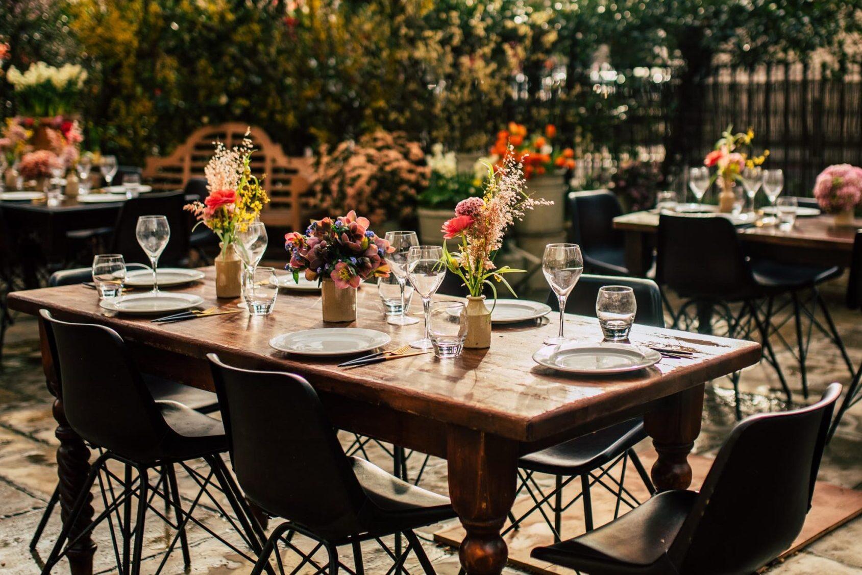 romantic outdoor restaurants
