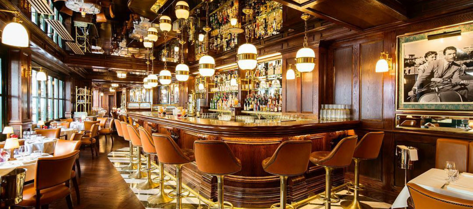 Harry S Dolce Vita A Glamourous 50s 60s Bar And Resto In