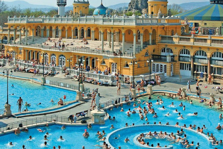 Szechenyi Baths - 48 hours in Budapest