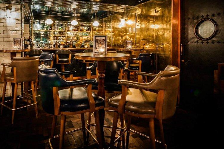 Hawksmoor Spitalfields Bar - best liverpool street bars