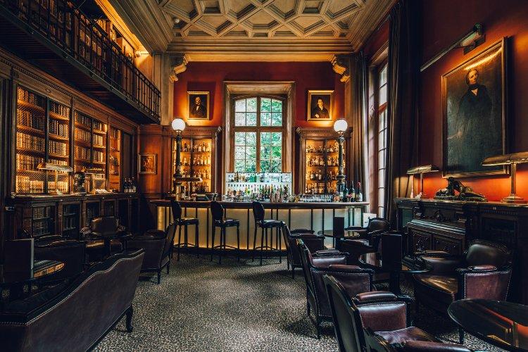 Le Bar Bibliotheque - hidden bars in Paris