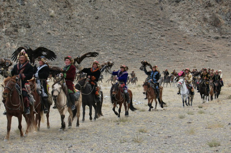Eagle hunting in Mongolia - adventure holidays for the brave