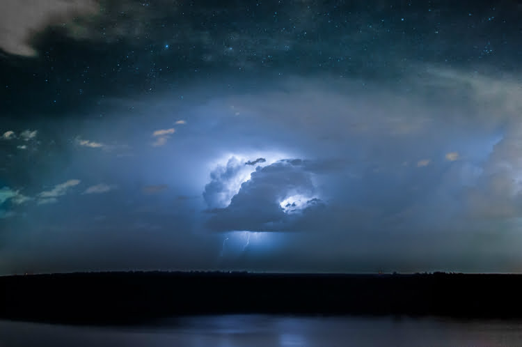 Storm chasing - adventure holidays for the brave