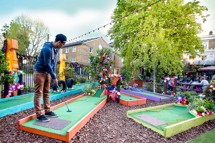 Plonk Hackney - crazy golf London