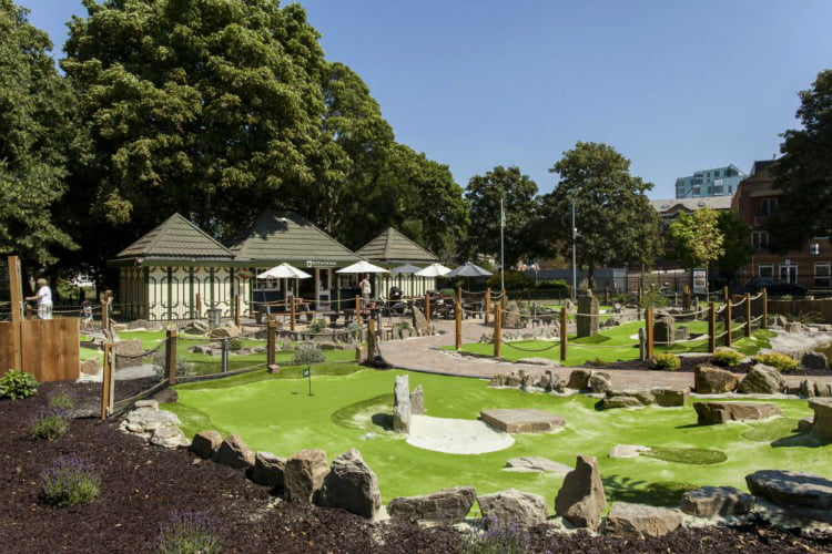 Putt In The Park Wandsworth - crazy golf London