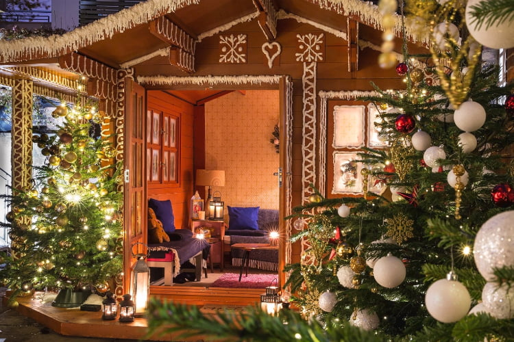 York & Albany gingerbread cabin - winter pop ups