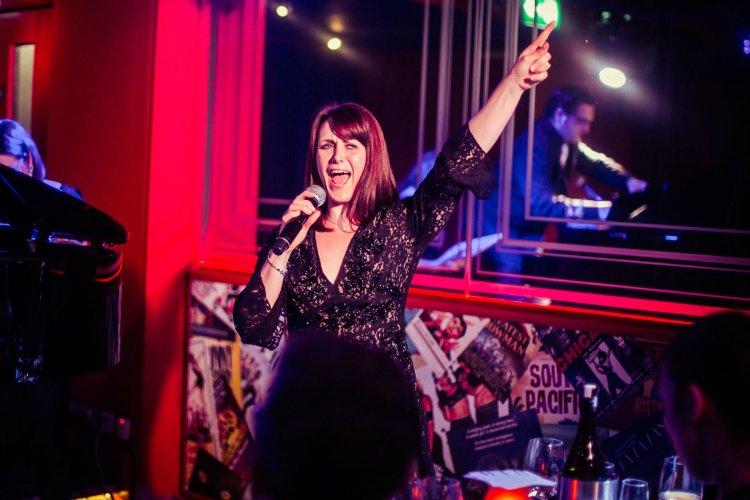 Singeasy karaoke bar London