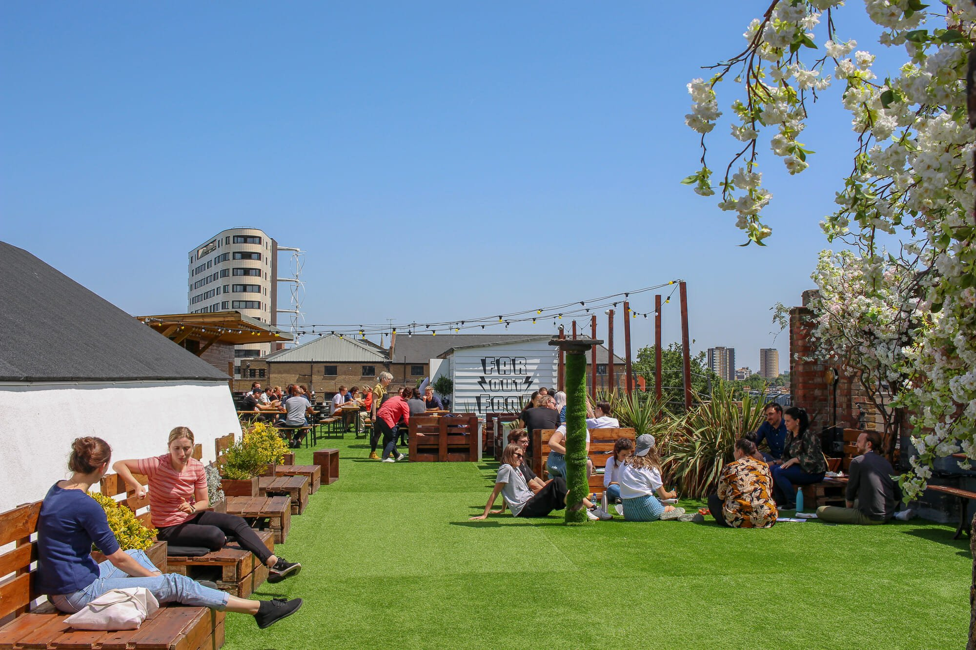 dalston roof park casual rooftop