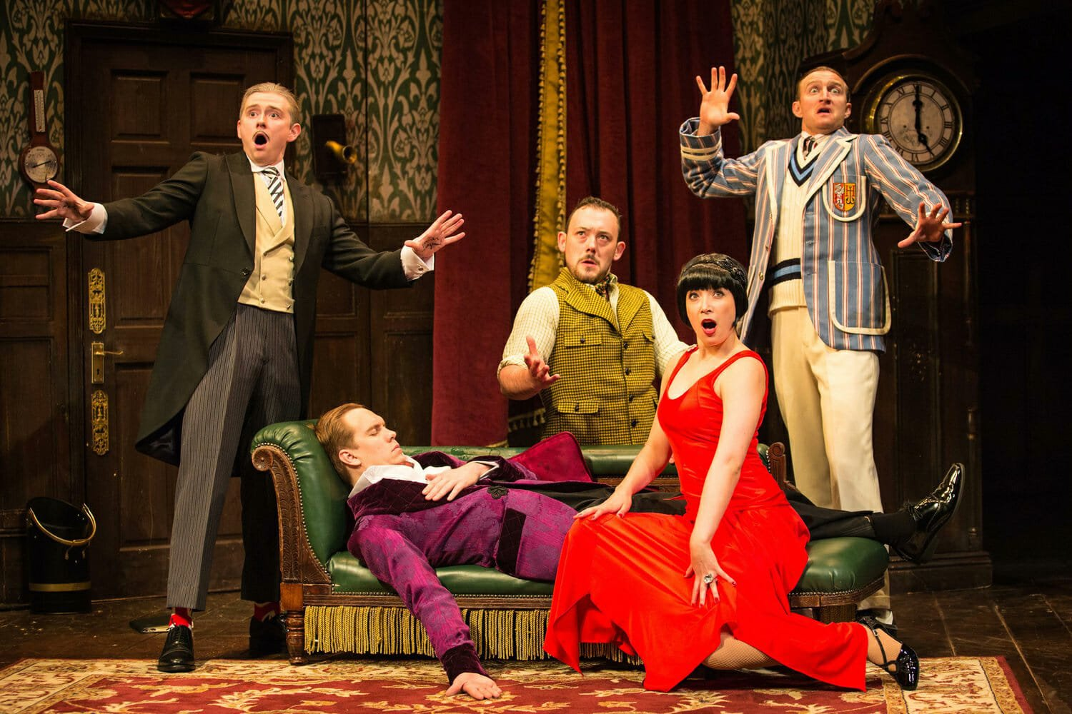 Play That Goes Wrong best theatre London now